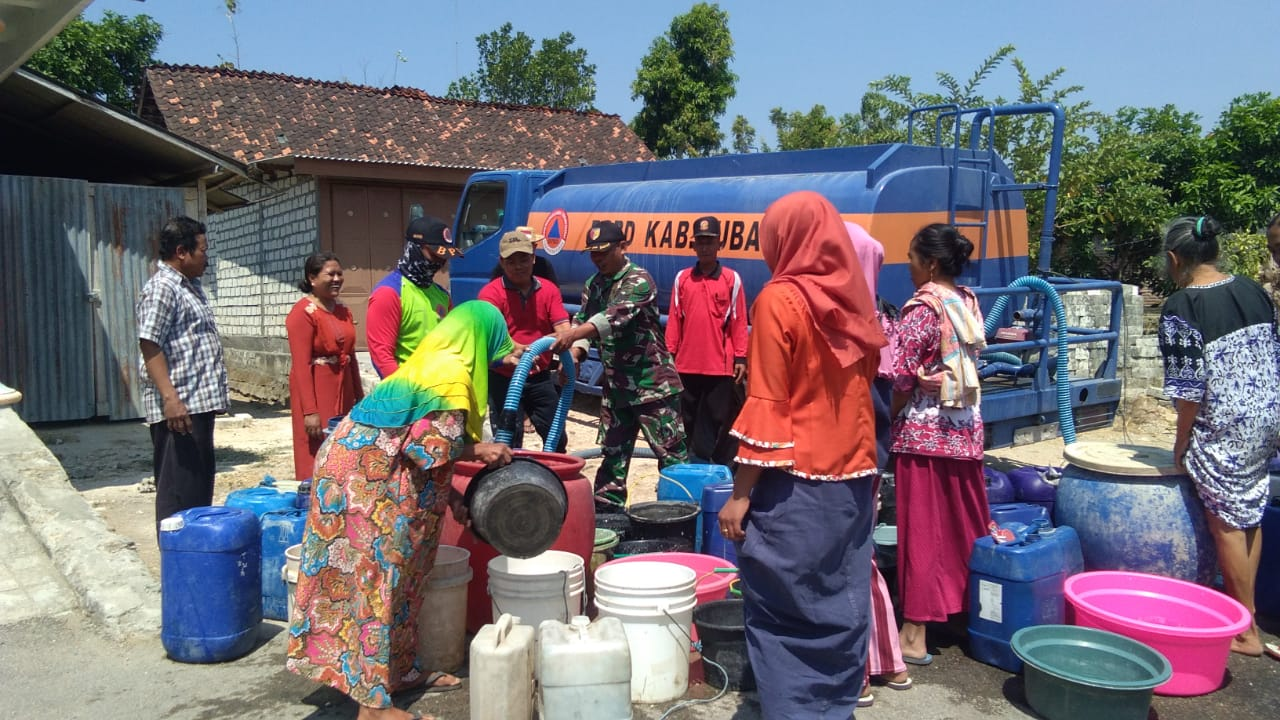 Bantuan Air Bersih Terus Mengalir Untuk Warga Desa Jombok